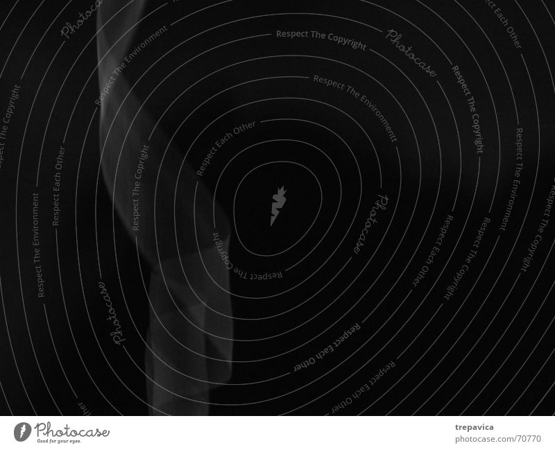 band Licht dunkel Streifen Locken Seide Strahlung Zärtlichkeiten Schwarzweißfoto Schnur durchsichtig fallen untergehen verführerisch