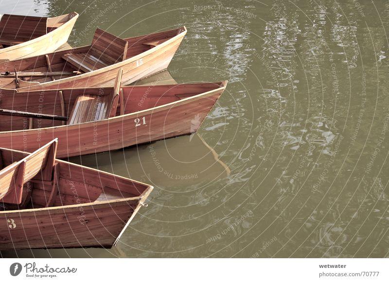 Sepia Boote Wasserfahrzeug Holz Sommer braun Romantik boat water reflection reflektion wooden Bank brown romantic