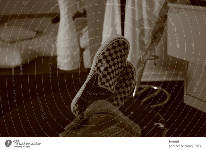 Schöner Schuh! ruhig Erholung Lampe Schuhe Sepia Feierabend Lieferwagen