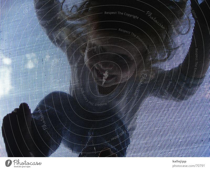 jump II Trampolin springen Sommer Froschperspektive Raster hüpfen Mädchen Kind Wolken ma-lu Moiré-Effekt Freude Himmel Fuß Mensch blau kallejipp
