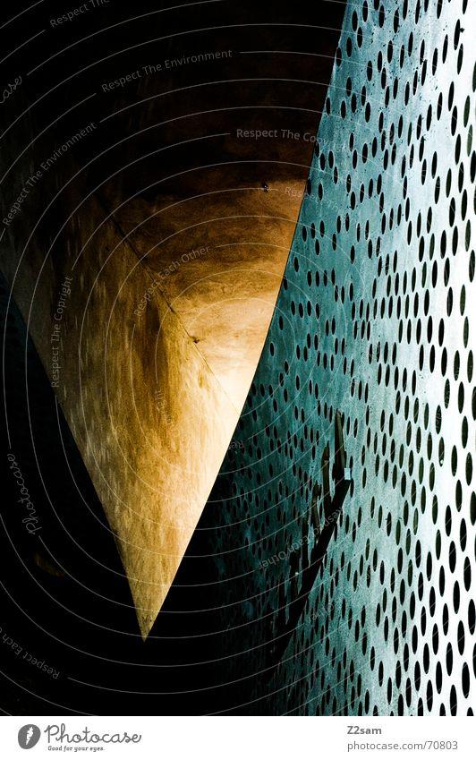 yellow geometry gelb abstrakt Muster Wand Fenster Licht planen Beleuchtung Dreieck Lichtblick Lichterscheinung Detailaufnahme munich