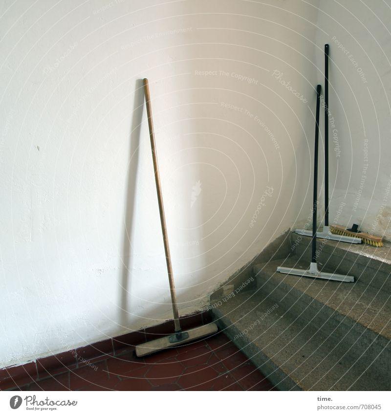 Halle/S.-Tour | Bereitschaftsdienst Wand Wege & Pfade Mauer Arbeit & Erwerbstätigkeit Treppe Ordnung stehen Sauberkeit Reinigen Zusammenhalt