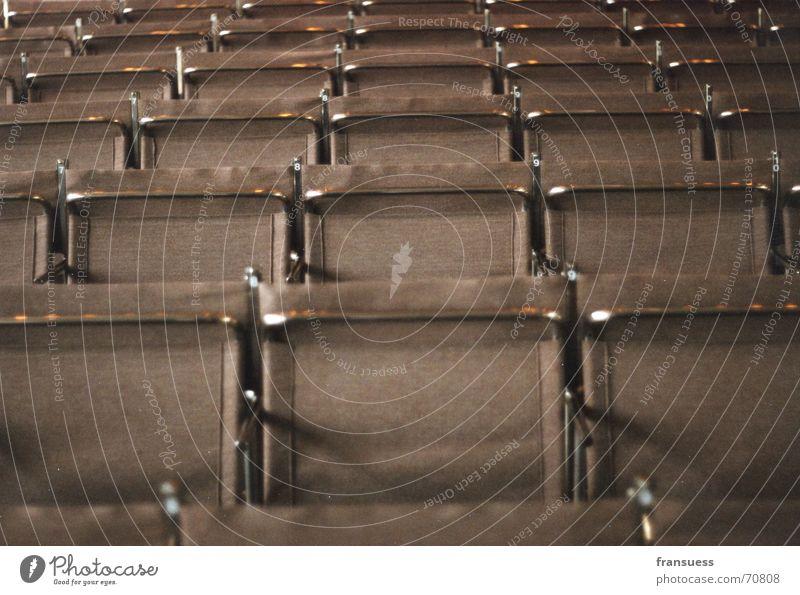 gropius' stühle Dessau Stuhl braun Kunst Stilrichtung Stahl Symmetrie gerade Bauhaus feininger Sitzreihe Architektur