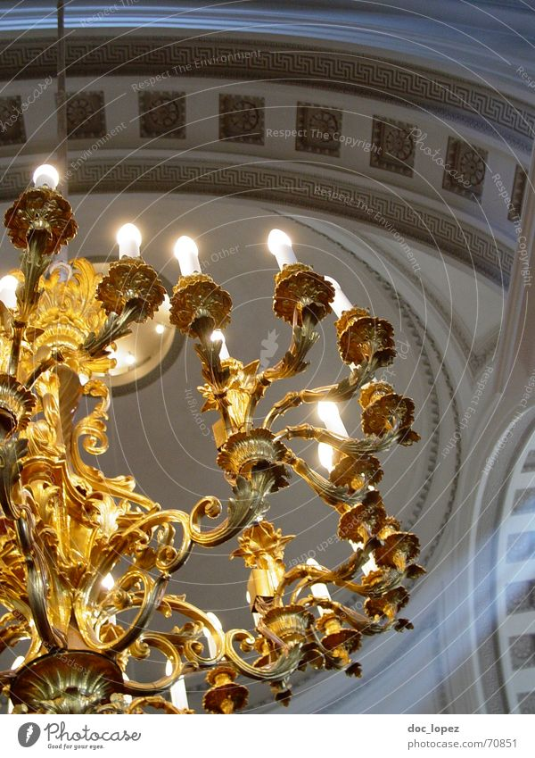 goldene Erleuchtung Religion & Glaube Beleuchtung glänzend Hoffnung Kerze Reichtum Gott Götter Bogen Geistlicher Finnland Kronleuchter verziert Helsinki