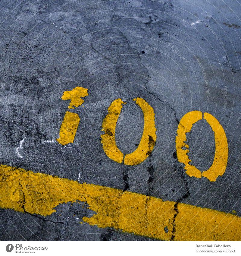 one hundred *100 :-) Verkehrswege Straße Parkplatz Tiefgarage Stein Beton Zeichen Ziffern & Zahlen Schilder & Markierungen Linie Streifen gelb grau Surrealismus