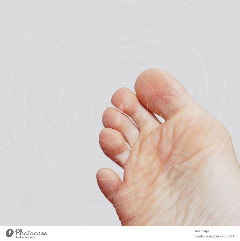 """""""Ich warte auf meine Socke!"""" Mensch Frau Kind Jugendliche Erholung Junge Frau 18-30 Jahre Erwachsene feminin natürlich Gesundheit Fuß rosa maskulin Zufriedenheit Haut"""