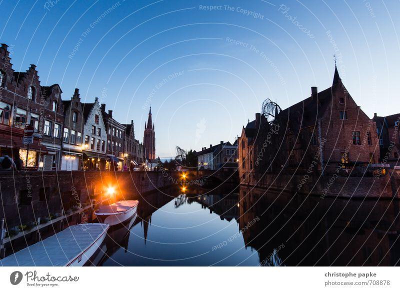 Brügge sehen... Ferien & Urlaub & Reisen Tourismus Ausflug Sightseeing Städtereise Wolkenloser Himmel Belgien Dorf Kleinstadt Stadt Hafenstadt Stadtzentrum Haus