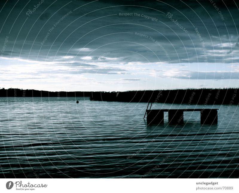 Pfäffikersee Wasser Himmel blau schwarz Wolken dunkel grau See Wellen Wind Horizont Hoffnung Schweiz Sturm Schilfrohr Gewitter