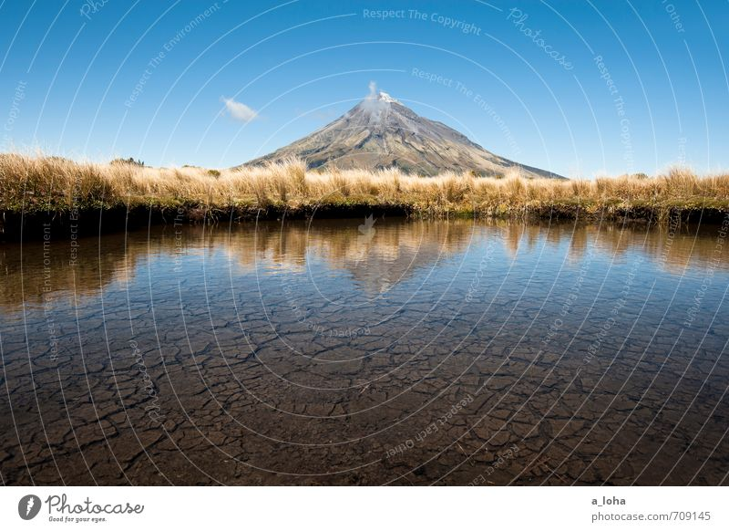 Te Maunga o Taranaki II Umwelt Natur Landschaft Pflanze Urelemente Erde Luft Wasser Himmel Wolken Sommer Schönes Wetter Gras Gipfel Vulkan Teich authentisch