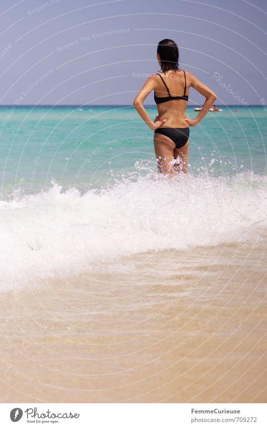 Beach Time! (VI) schön feminin Junge Frau Jugendliche Erwachsene Rücken 1 Mensch 18-30 Jahre Zufriedenheit Erholung erleben Lebensfreude Leichtigkeit