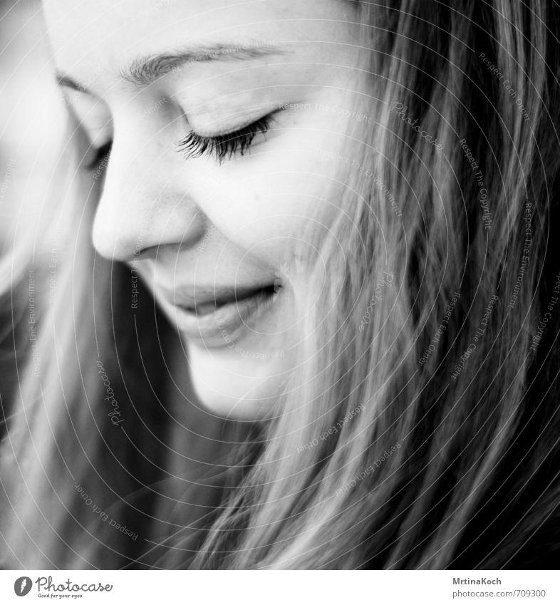 nightlite. Mensch feminin Junge Frau Jugendliche Gesicht 1 18-30 Jahre Erwachsene Gefühle Freude Glück Fröhlichkeit Zufriedenheit Lebensfreude Frühlingsgefühle
