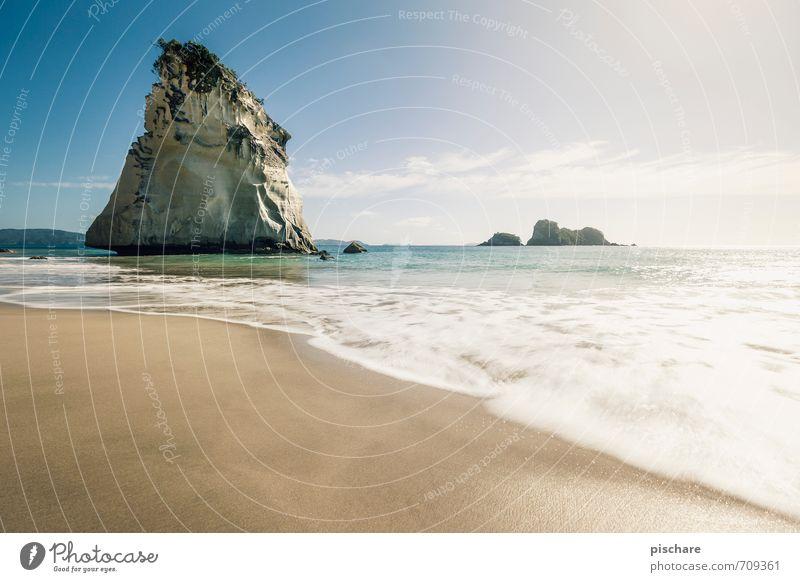 Cathedral Cove Landschaft Sand Wasser Himmel Schönes Wetter Felsen Küste Strand exotisch schön Abenteuer Ferien & Urlaub & Reisen Neuseeland Farbfoto