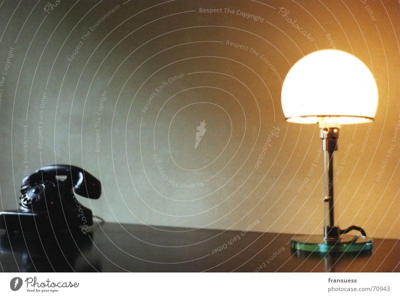 feiningers schreibtisch Stil Design ruhig Lampe Schreibtisch Büro Telefon ästhetisch Einsamkeit elegant Tischlampe gerade Wählscheibe klassisch Bauhaus