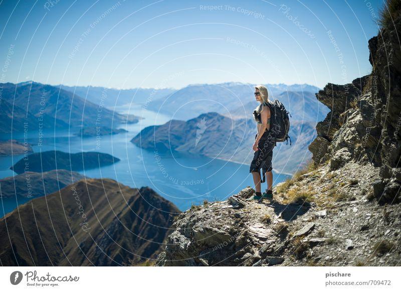 ins land nei schaun Mensch Jugendliche Ferien & Urlaub & Reisen Junge Frau Landschaft ruhig Ferne Berge u. Gebirge feminin Freizeit & Hobby wandern