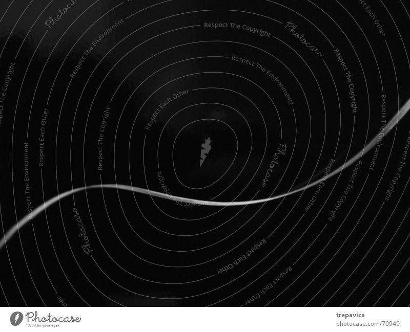 linie Licht Streifen 2 Wellen Schwarzweißfoto weisse linie Wege & Pfade abstract Kontrast krumme linie Teilung