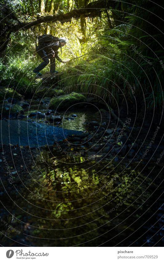 Gollum mit Haube Mensch Natur Ferien & Urlaub & Reisen dunkel feminin Freizeit & Hobby wandern Ausflug Abenteuer Urwald Neuseeland