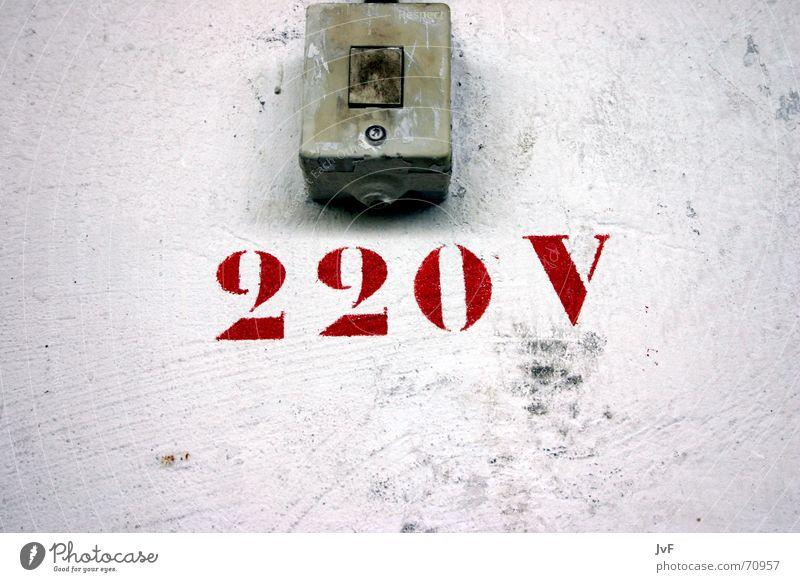 220V alt weiß rot Wand Elektrizität Warnhinweis Schalter Lichtschalter