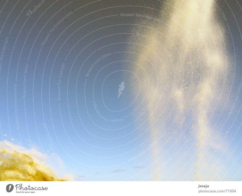 Sternensand Nebel Wolken Korn Schwerkraft fallen Sturm Sand werfen Dynamik Wind Bewegung Weltall