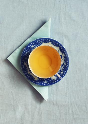 schmeckts? blau Gesundheit Essen Lebensmittel Dekoration & Verzierung ästhetisch Ernährung Getränk Pause rund Kitsch trinken Tee Frühstück Geschirr Tasse