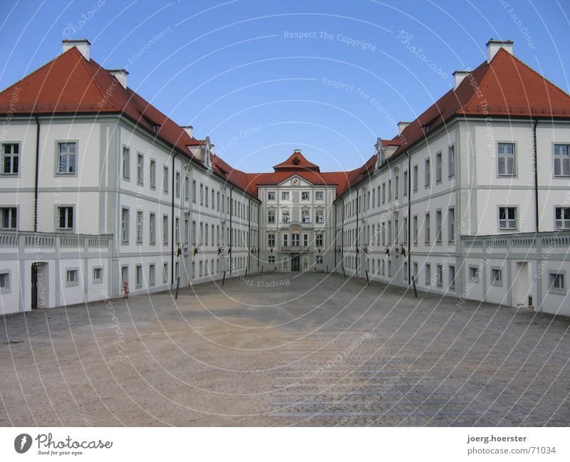 Jagdschloss im Altmühltal Haus Gebäude Architektur Burg oder Schloss Bayern Symmetrie Barock Innenhof