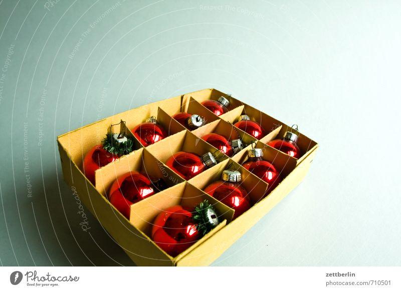 24.12. Häusliches Leben Wohnung Dekoration & Verzierung Feste & Feiern Weihnachten & Advent Schmuck Glas Kugel genießen alt gut schön Freude Zufriedenheit
