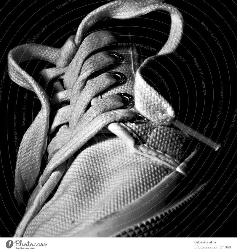 ausgelatscht ... weiß laufen Turnschuh Knoten Schuhbänder