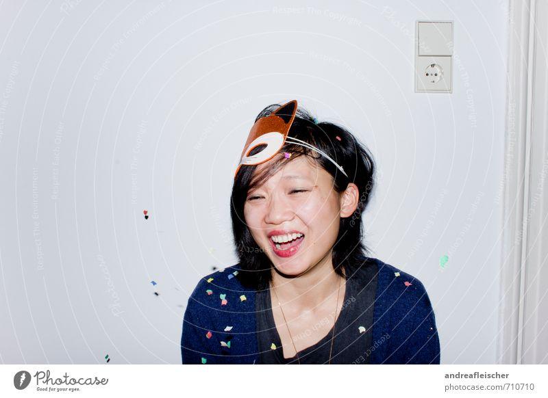What does the Fox say? Mensch Jugendliche Junge Frau Freude 18-30 Jahre Erwachsene feminin sprechen lachen Glück Feste & Feiern Stimmung Party authentisch