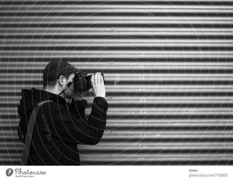 Halle/S.-Tour | Making Of Mensch Stadt Wand Wege & Pfade Mauer Metall Freizeit & Hobby maskulin stehen Tourismus Fotografie beobachten Kommunizieren planen