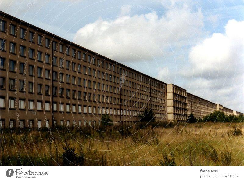 wo finde ich hier erholung? Ferien & Urlaub & Reisen Erholung Gebäude Insel Verfall Vergangenheit Ostsee Rügen Faschist Prora Nationalsozialismus Gebäudekomplex