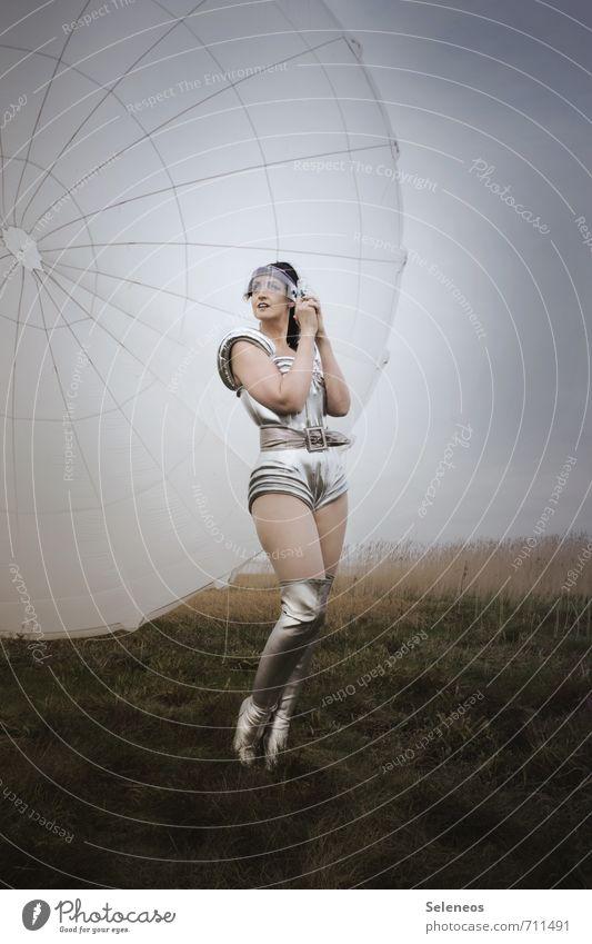 Spacewoman Technik & Technologie Fortschritt Zukunft High-Tech Mensch feminin Frau Erwachsene 1 Gras Feld Luftverkehr Fallschirm Bekleidung Stiefel