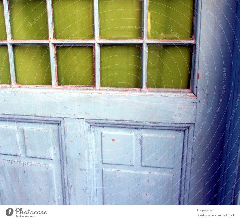 tuer alt Farbe Fenster Holz Glas streichen Quadrat Eingang blau-grün