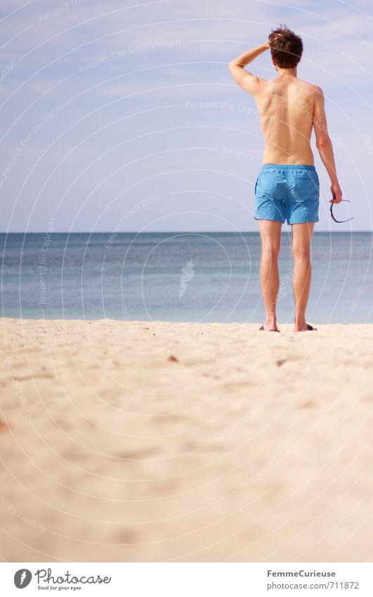 Beach Time! (I) Mensch Jugendliche Ferien & Urlaub & Reisen Mann blau Sommer Meer Erholung 18-30 Jahre Strand Junger Mann Erwachsene Wärme Stil
