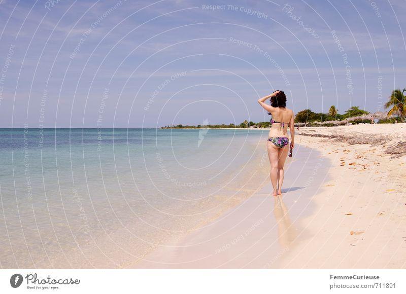 Beach Time! (X) feminin Junge Frau Jugendliche Erwachsene 1 Mensch 18-30 Jahre Zufriedenheit Erholung erleben Idylle schön träumen Karibik Kuba Traumreise