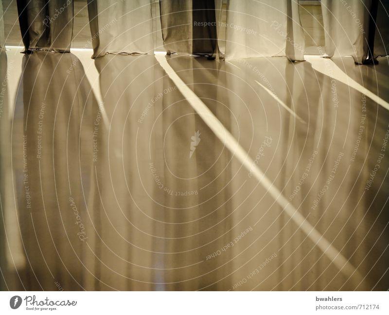 Licht-Einfall Haus hell braun grau Vorhang Lichteinfall Falte Faltenwurf durchlässig Reflexion & Spiegelung Fußboden Fenster Fensterscheibe Stoff Stofffalten