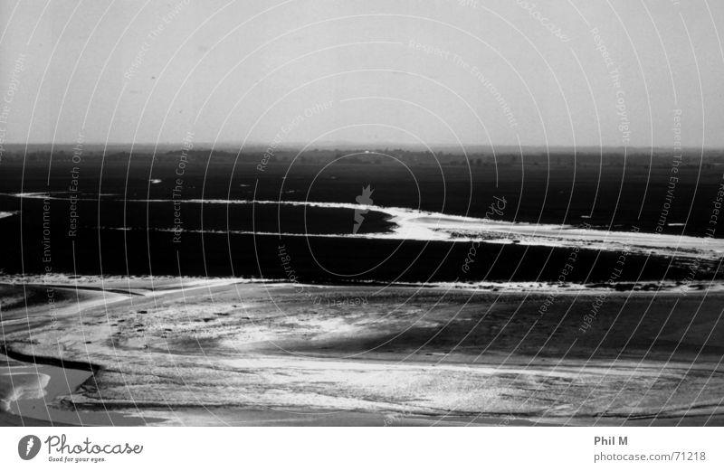 Saint Michel III Europa Frankreich Normandie Bretagne schön schwarz weiß Grauwert Infrarotaufnahme Gezeiten Meer Ebbe glänzend Schwarzweißfoto Kontrast Himmel