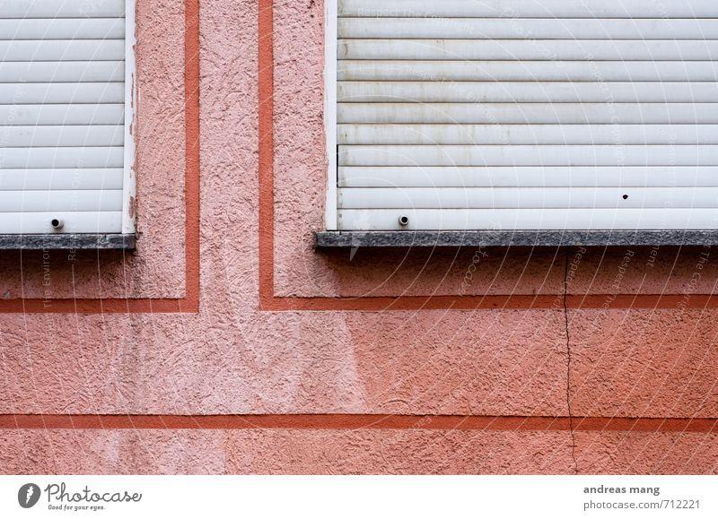 Rote Linien Mauer Wand Fassade Fenster alt eckig trist Stadt rosa rot Mittelstand Symmetrie Verfall Vergänglichkeit Wege & Pfade geschlossen Rollladen veraltet