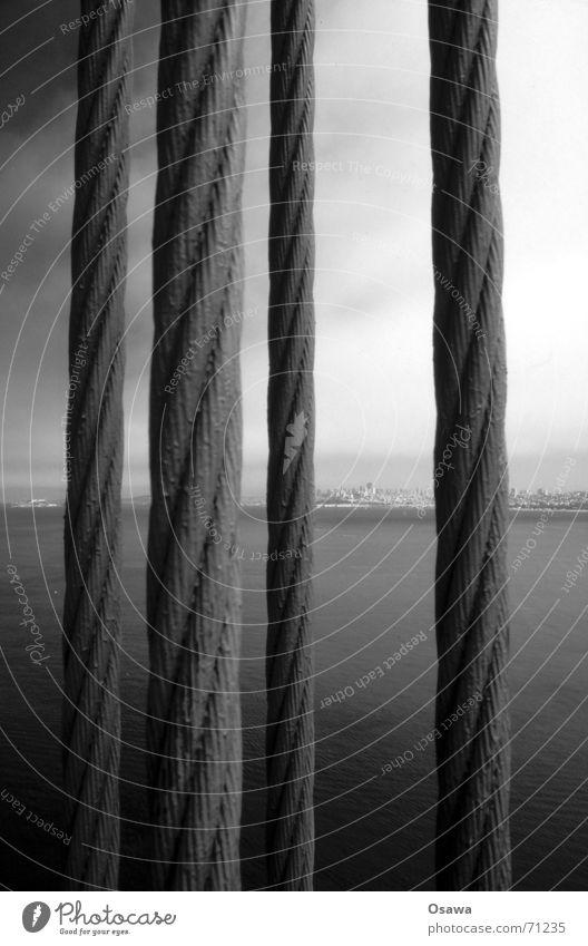 Golden Gate 1 Golden Gate Bridge Wolken Meer San Francisco Durchblick brüclke Kabel Seil Drahtseil Elektrizität Himmel Bucht