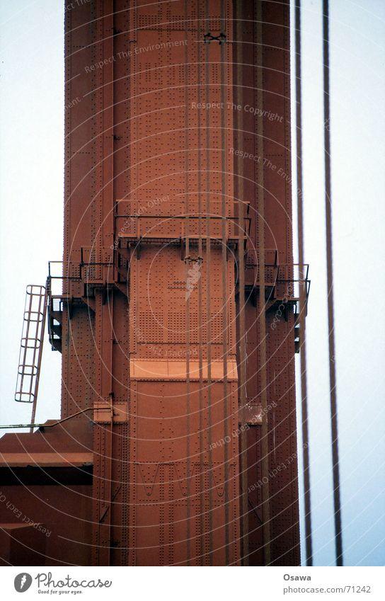 Golden Gate 3 Brücke Stahl Balkon Leiter San Francisco Niete Stahlträger Drahtseil Golden Gate Bridge Brückenpfeiler