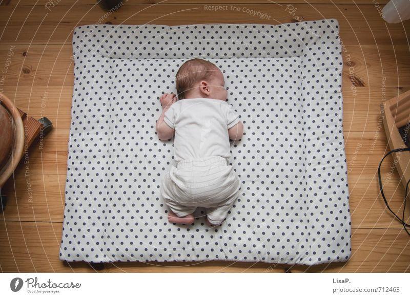 mittagsschlaf Mensch Kind weiß ruhig Leben Glück Kopf braun Fuß träumen liegen Familie & Verwandtschaft Körper Zufriedenheit Kindheit Rücken
