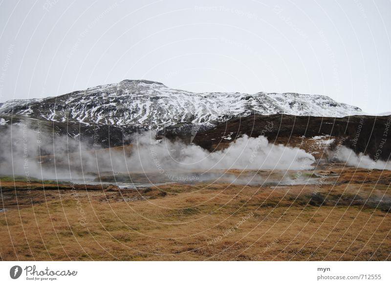 Island Umwelt Natur Landschaft Urelemente Erde Wasser Himmel Winter Hügel Berge u. Gebirge Gipfel Schneebedeckte Gipfel Vulkan Rauchen Geysir Geothermik