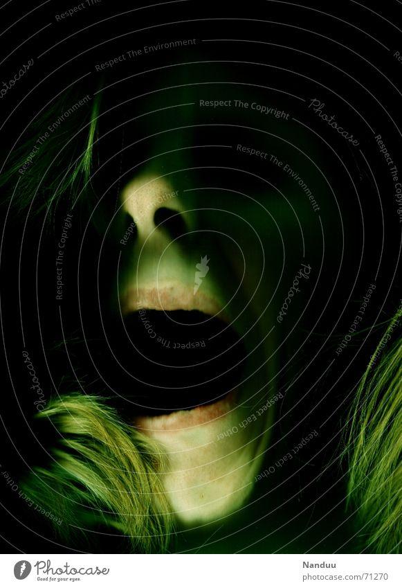 Schmerz Mund schreien Traurigkeit bedrohlich dunkel gruselig grün Gefühle Trauer Tod Angst Verzweiflung Vergänglichkeit Zombie Nasenloch Panik scary gruslig