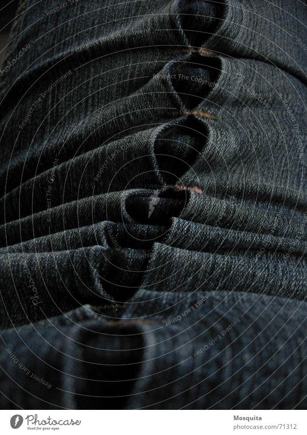 Jeans2 Freude dunkel Bekleidung Industrie Jeanshose Hose Stoff Falte Naht