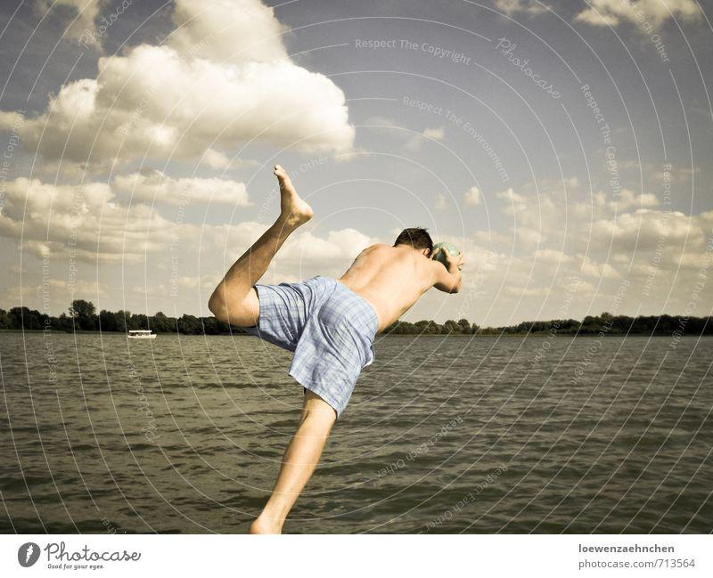 Mit dem Kopf voran Mensch Jugendliche Ferien & Urlaub & Reisen Freude 18-30 Jahre Junger Mann Erwachsene Sport Schwimmen & Baden Freiheit springen fliegen