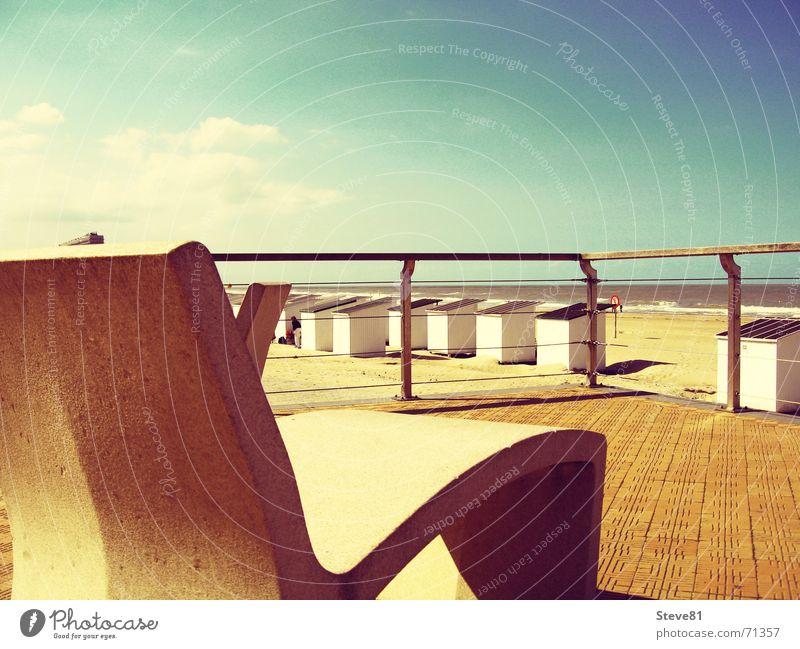 Stühle aus Stein 2 Belgien Oostende grün Stuhl Promenade Erholung Stil Stillleben Aussicht Strand Ferien & Urlaub & Reisen Hoffnung Erwartung Himmel blau