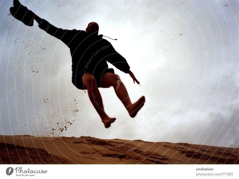 Sandhüpfer springen Bewegung Aktion Lebensfreude Flugzeuglandung abwärts kommen hüpfen Arcachon
