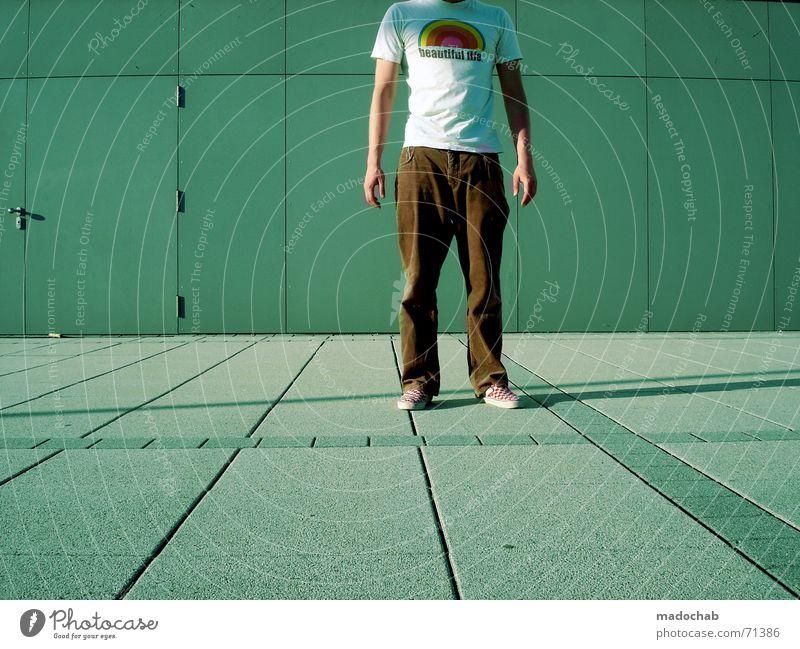 I SING THE SAME OLD SONG  | person mensch male typ stadt beton Mensch Mann Jugendliche Ferne Linie laufen Geschwindigkeit stehen Sauberkeit Industriefotografie