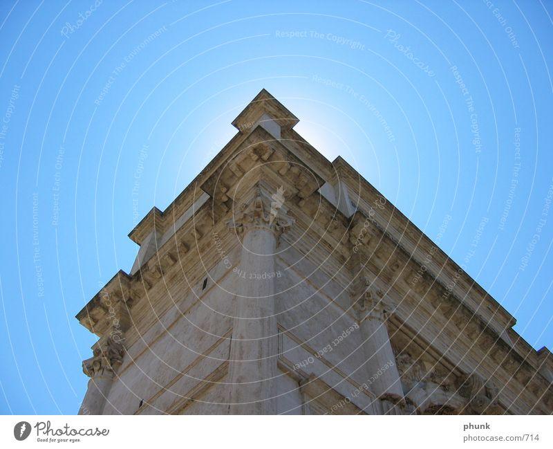 capitolio Rom Gegenlicht Italien Erfolg blau historisch hell Schönes Wetter Säule Bogen Himmel