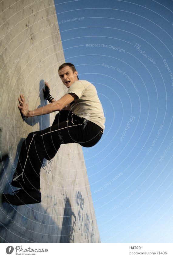 Spiderman Le Parkour träumen Schwerkraft Salto verrückt frei Himmel Luftverkehr free running fliegen Freiheit wallflip