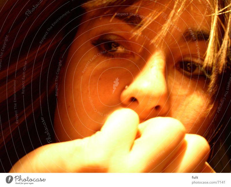 träumen Hand Denken Frau Gesicht Auge Haare & Frisuren Nase