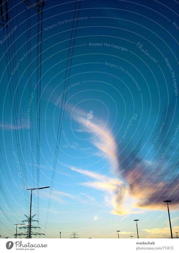 KRIMSKRAMS & FIRLEFANZ | wolken himmel sky clouds strom energie Himmel grün Wolken Kraft Energiewirtschaft Elektrizität Laterne Stahl türkis Eisen Saft
